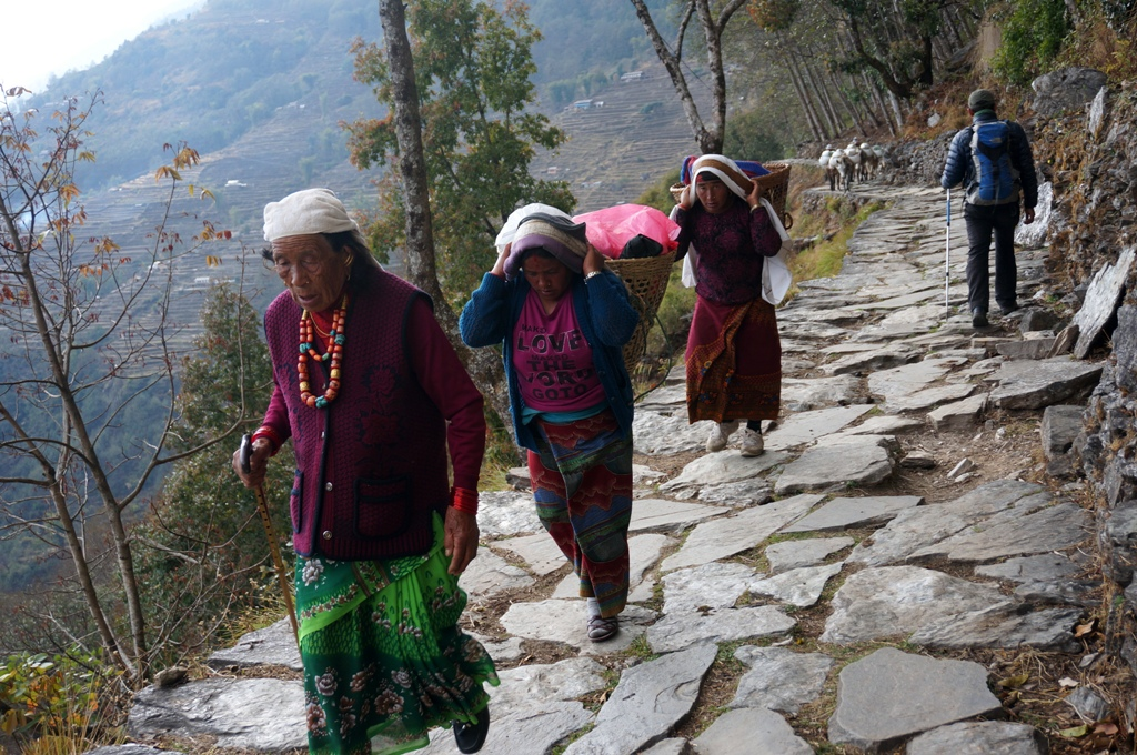 Villagers in Poon Hill Yoga trek